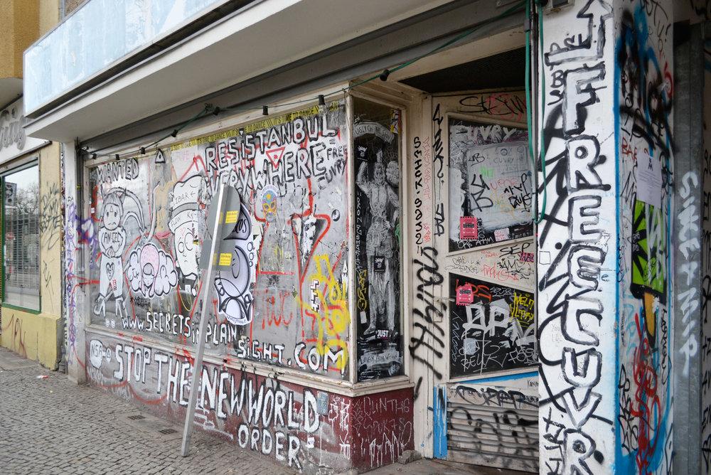urbanbacklog-berlin-halfway-graffiti-9.jpg
