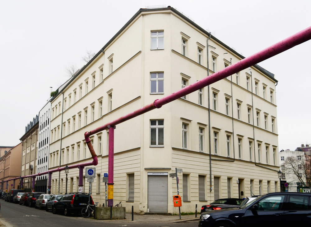 urbanbacklog-berlin-pink-pipes-1.jpeg