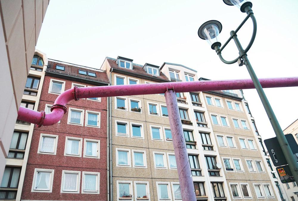 urbanbacklog-berlin-pink-pipes-2.jpg