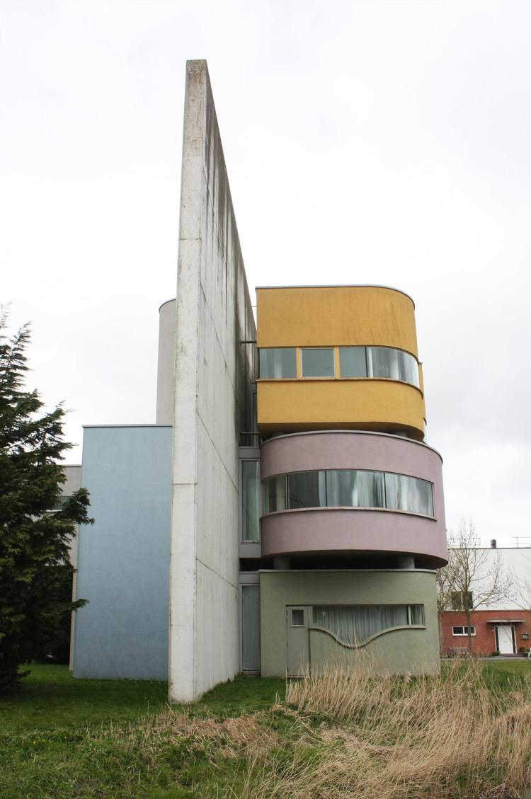 urbanbacklog-groningen-wall-house-4.jpg
