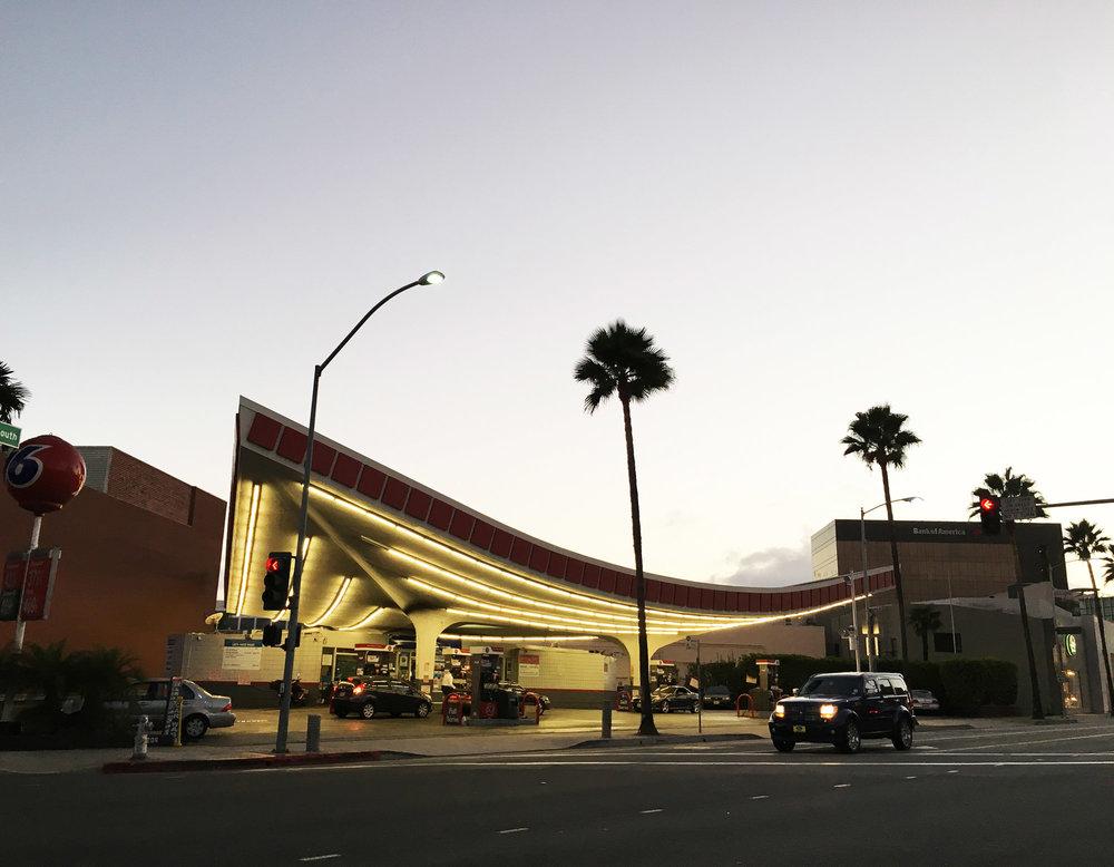 urbanbacklog-los-angeles-jack-colker's-76-gas-station-1.jpg