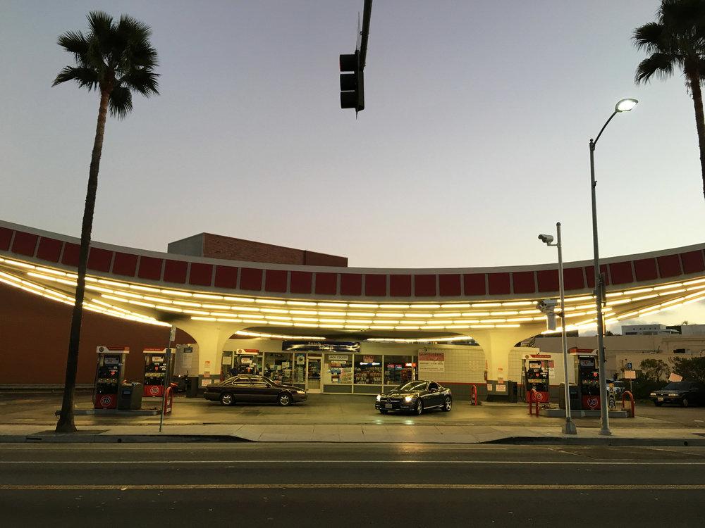 urbanbacklog-los-angeles-jack-colker's-76-gas-station-4.jpg