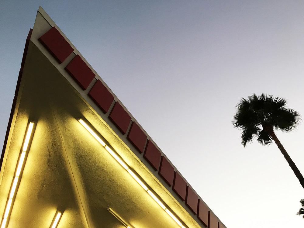 urbanbacklog-los-angeles-jack-colker's-76-gas-station-5.jpg