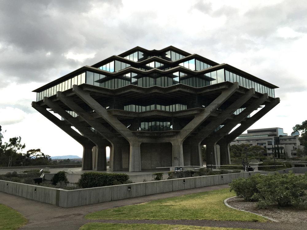 urbanbacklog-san-diego-geisel-library-1.jpg