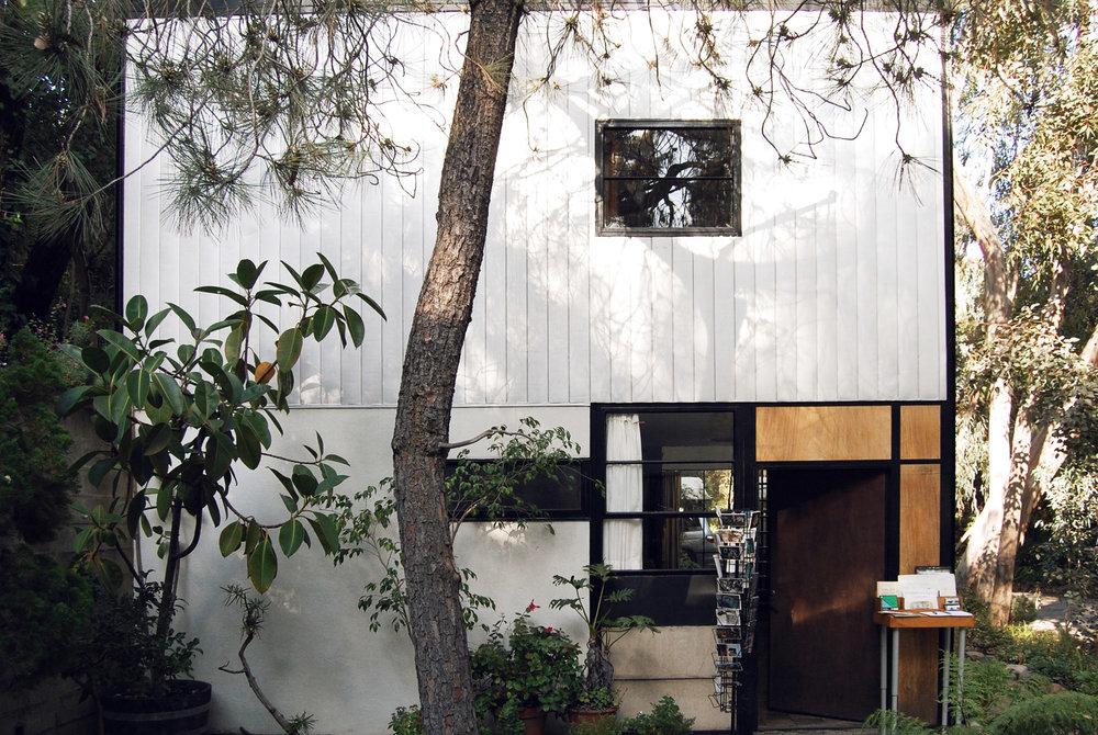 urbanbacklog-acanthus-los-angeles-eames-house-2.jpg