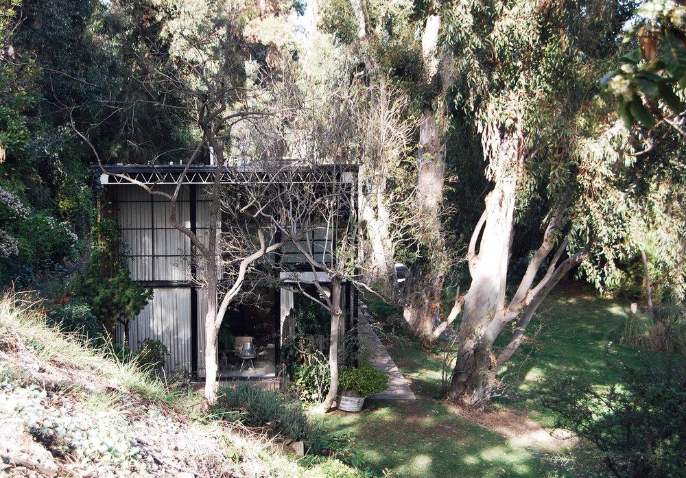 urbanbacklog-acanthus-los-angeles-eames-house-6.jpg