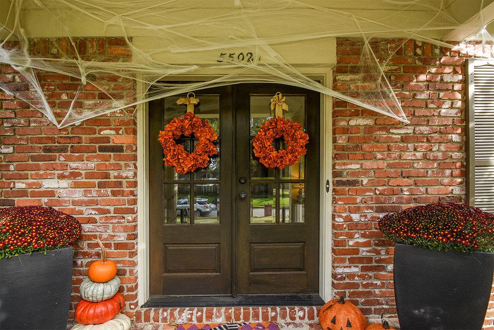 5502angela_front_doors.jpg
