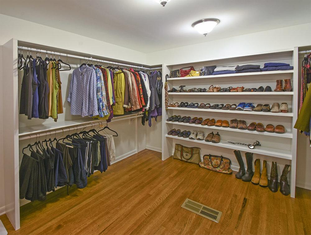 1860akerswood_closetDetail.jpg