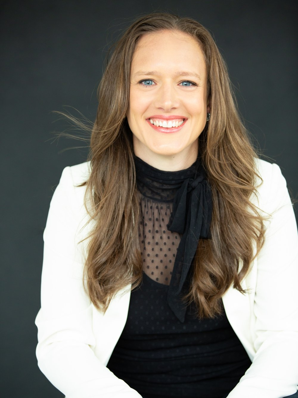 BETH HALL - Therapeutic Counsellor , Coach and Sphere GuideFounder of Architect Your Life, Beth Hall is surgical in her ability to help clients reframe life's challenges into opportunities. She has a linear, logical and creative mind, crossed with a deeply open and compassionate heart. She helps founders, creatives - and everyday folks going after big dreams - get laser focused on what matters most to them in life, business, and the impact they bring to the world. In addition to being a therapeutic counsellor and coach, Beth has worked in tech startups, is a fine art photographer and painter, and has a long standing love of science, with a degree in physiology from McGill.