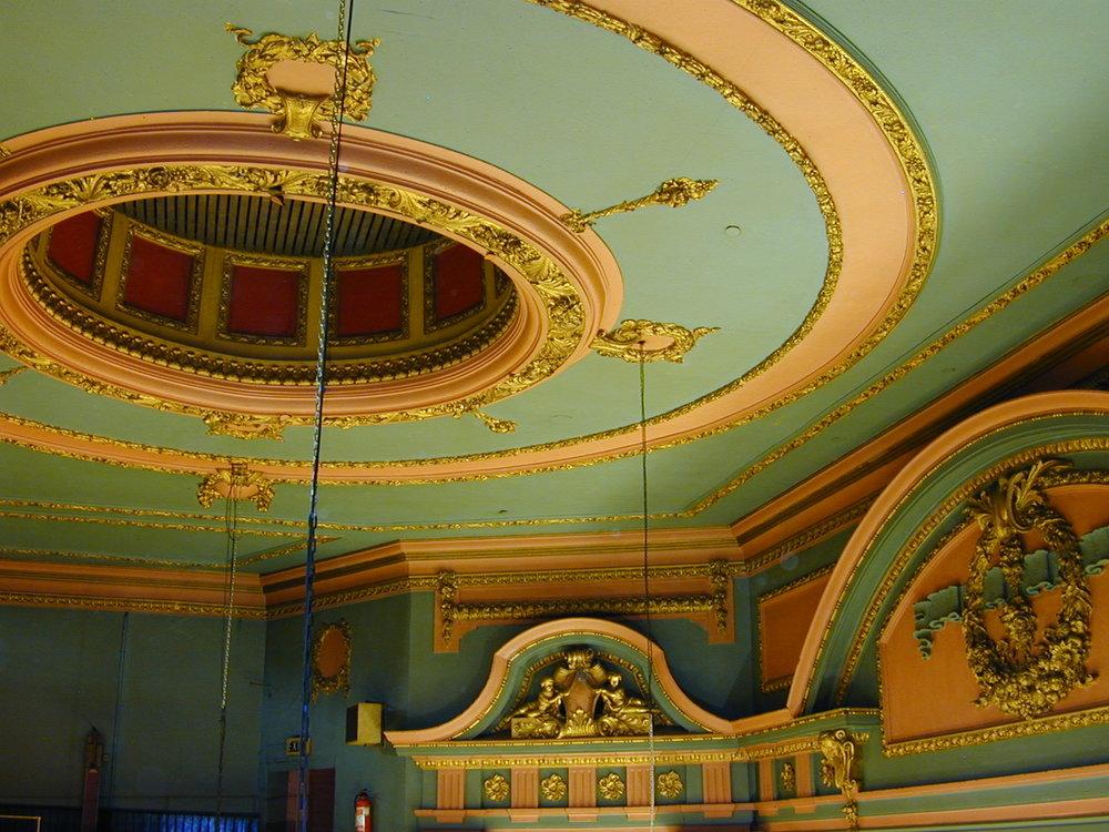 DSCN1330 original ceiling & proscenium.JPG