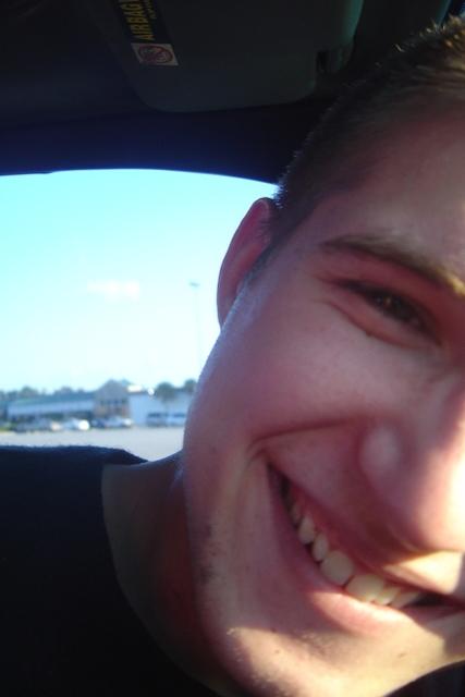 his_smile_by_tyedyesnowflake.jpg