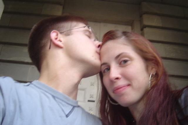 kiss_me_2_by_tyedyesnowflake.jpg
