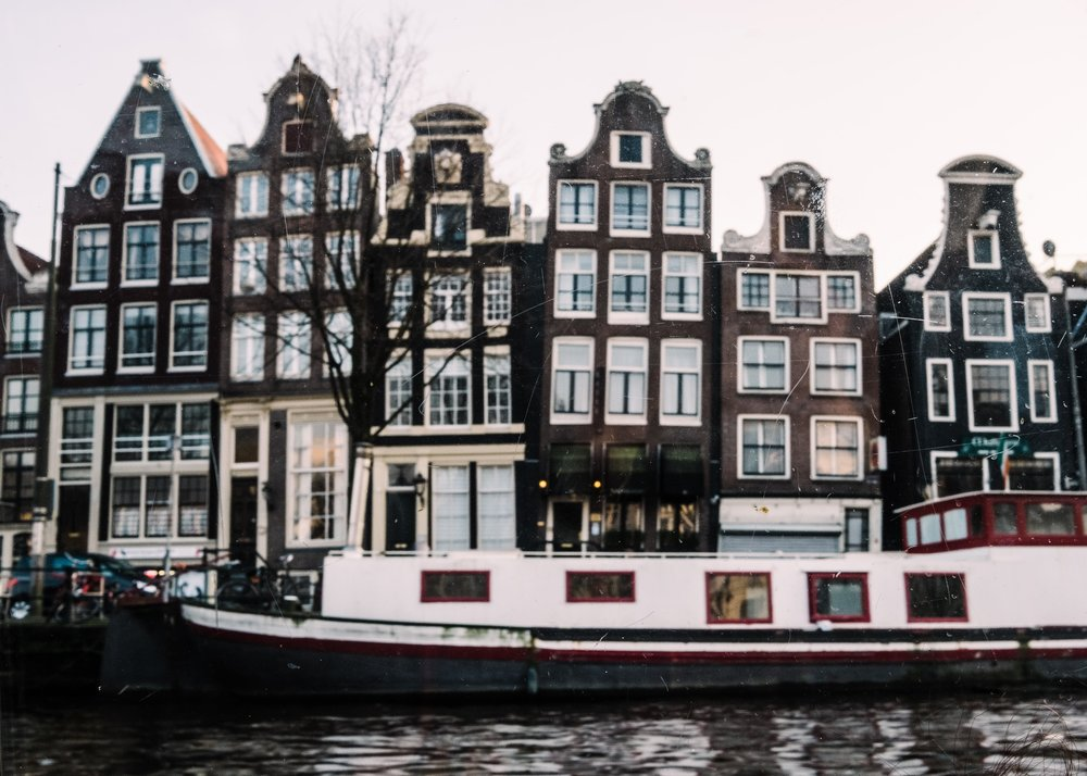 Amsterdam_JuliaMattis_Photo01-min.jpg