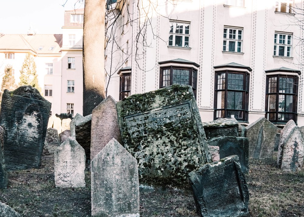 JewishCemetary_Prague_JuliaMattis_Photo14-min.jpg