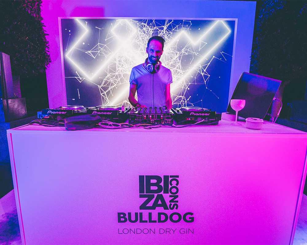 bulldog-gallery-1_1000_800_50.jpg