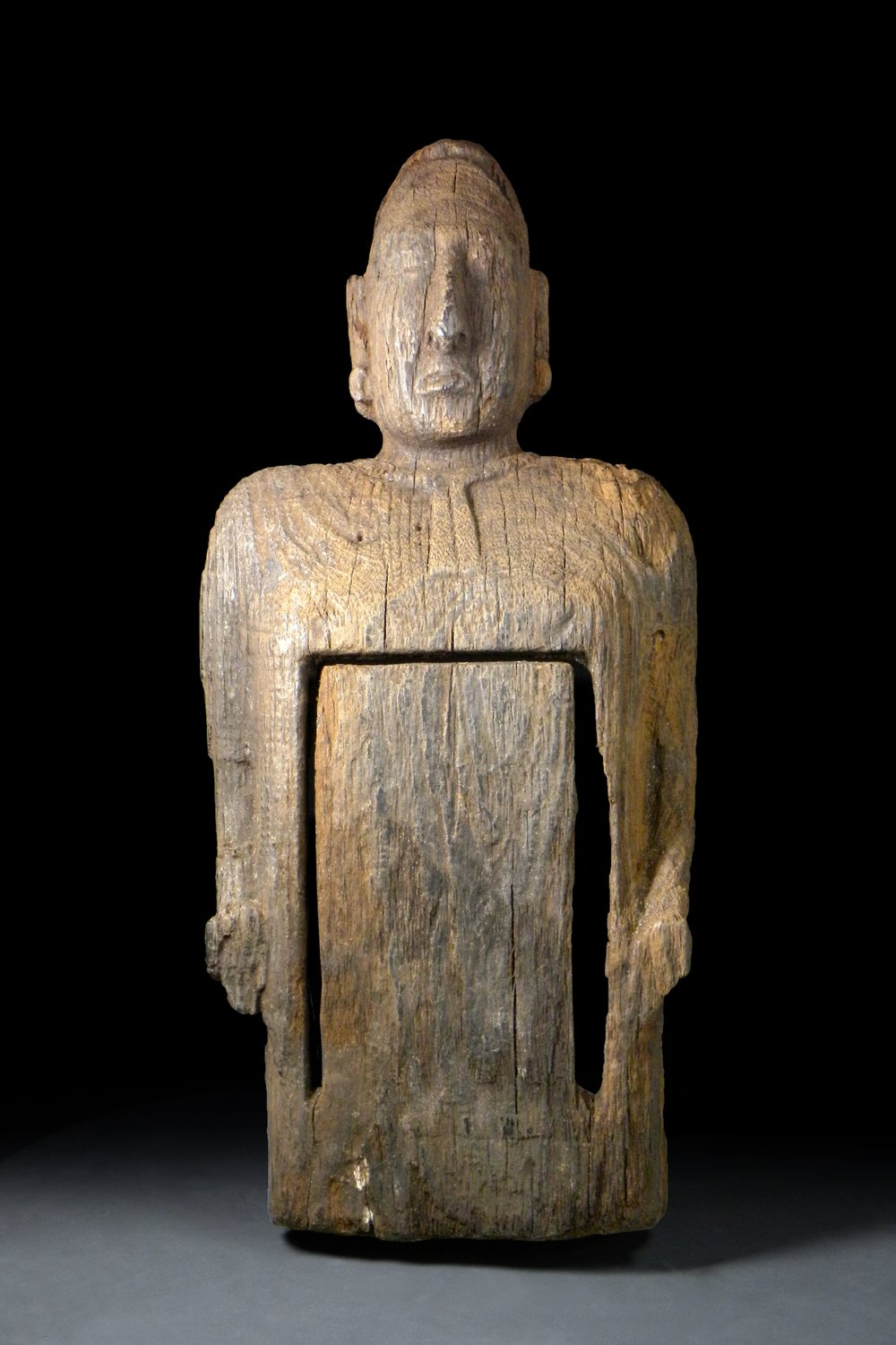 Wooden Prehispanic sculpture