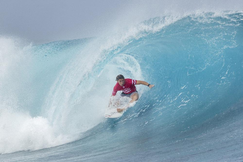 Conner Coffin Tubo Teahupoo Tahiti 2017.jpg