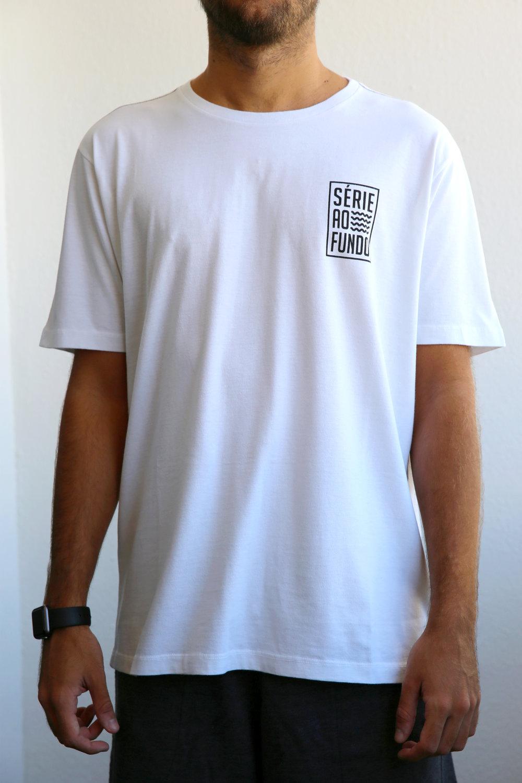 Camiseta Branca Masculina - Frente 2.jpg