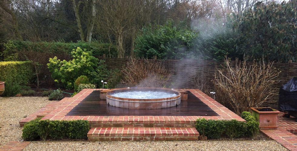 wooden-hot-tub-8.jpg