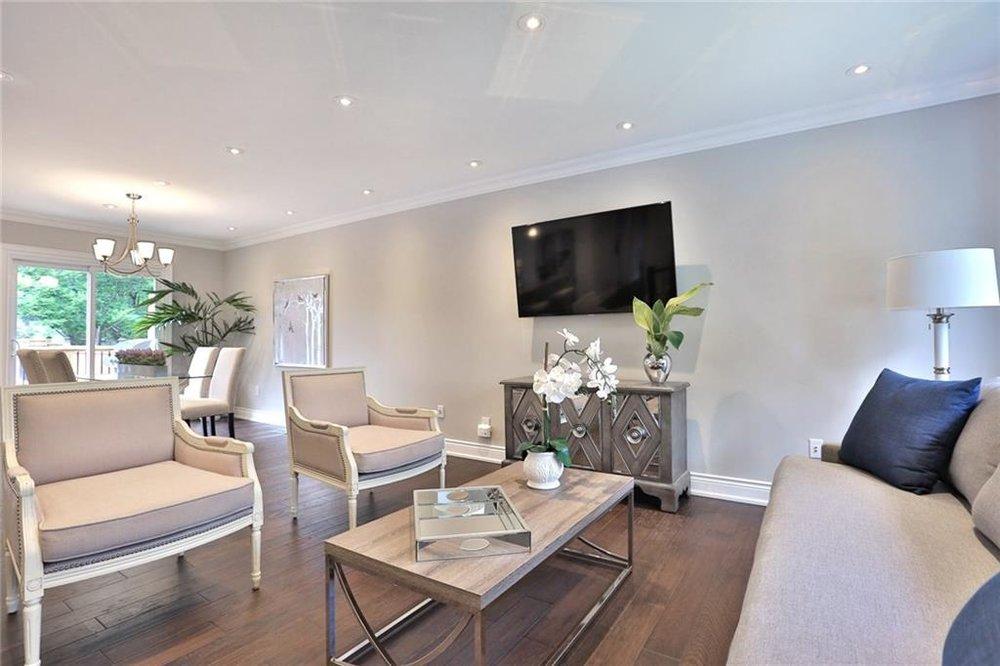 5. Living Room 2.jpg