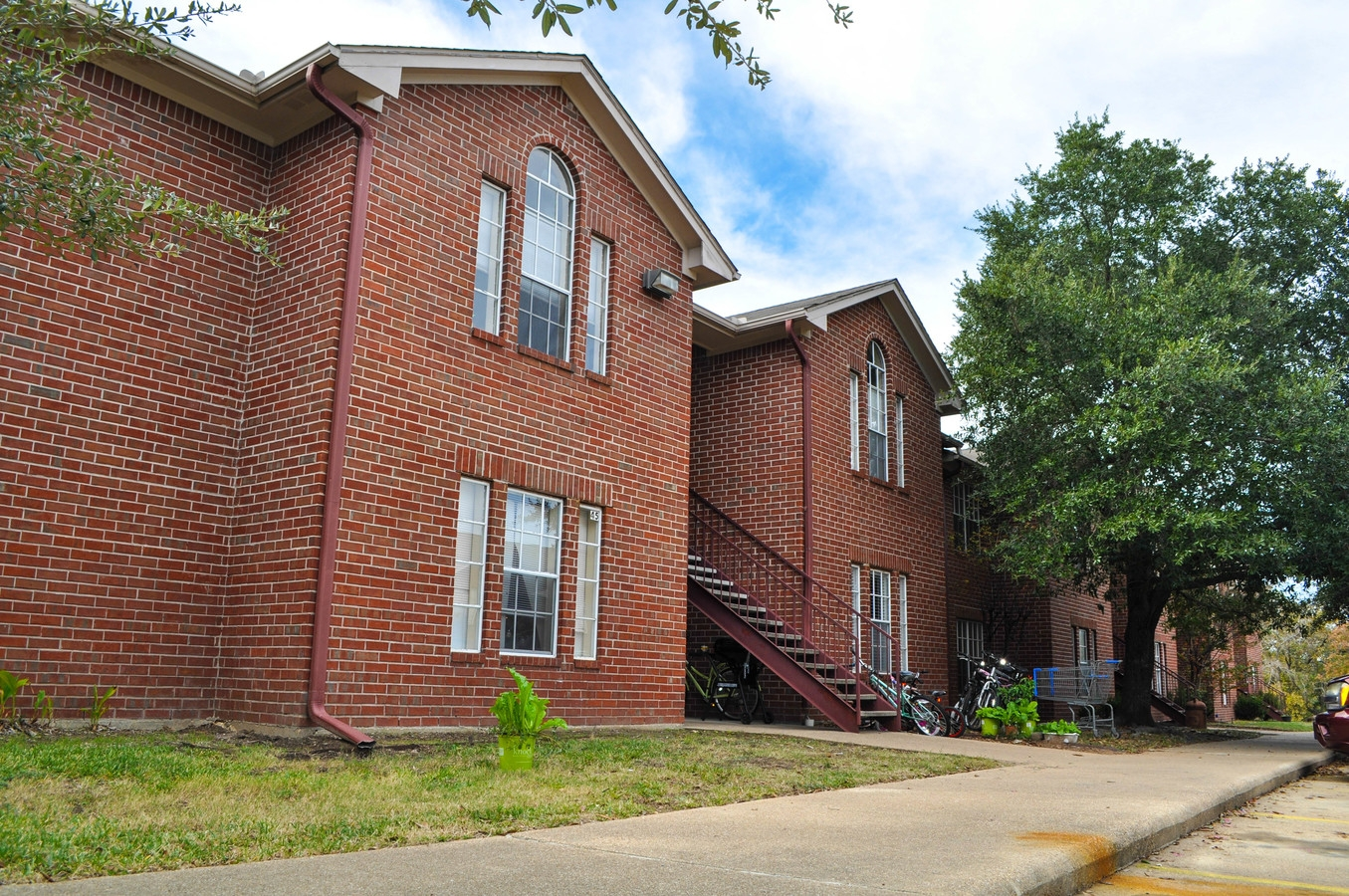 Sterlingcrest Apartments — Hsu Realty