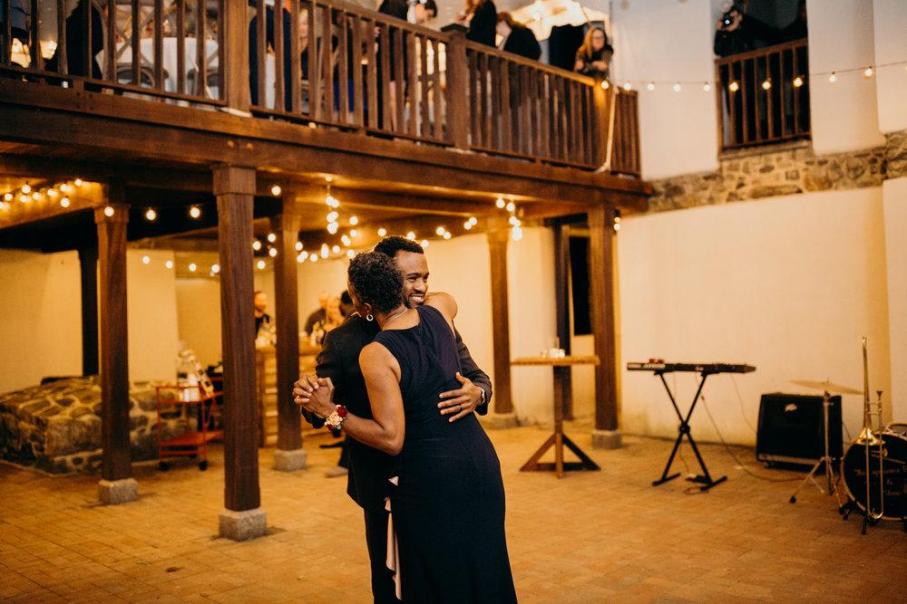 R+A Wedding 4-141.jpg