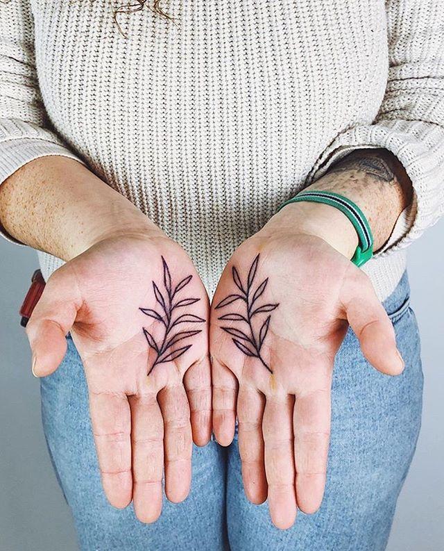 palms for Sydney 🌴 by @kellikikcio