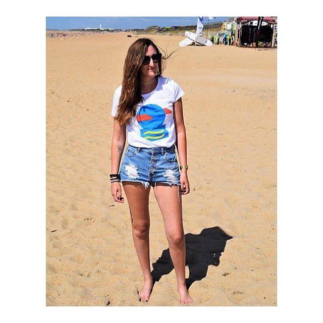 """Quand on hésite entre deux plages, l'une d'elles est toujours Biarritz"" - Sacha Guitry - Photo by @hildetrendy . . . #cartepostale #tenuedujour #frenchstyle #mode #plage #biarritz #vacances #ootd #photographie #photooftheday #photography #instagood #instadaily #instablogger #hildetrendy #cool #blogger #bloggeuse #fashionblogger"