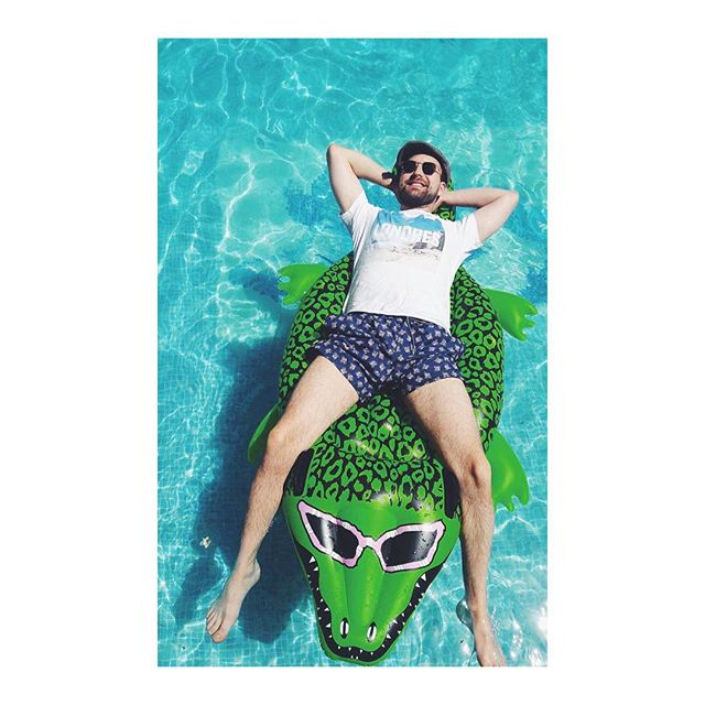"""Summer afternoon - to me those have always been the most beautiful words in the English language"" - Henry James . . . #cartepostale #frenchstyle #mode #frenchriviera #summer #été #ootd #outfit #outfitoftheday #wiw #tenuedujour #lookoftheday #lotd #piscine #crocodile #chill #instablogger"