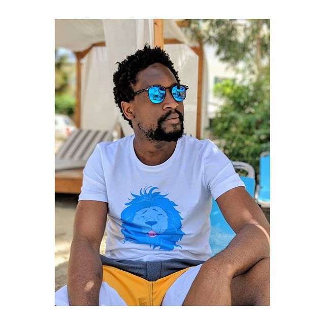 """Far out in a place where the water is as blue as a cornflower, and as clear as crystal"" - Hans Christian Andersen . . . @malikom #cartepostale #outfitoftheday  #ootd #style #spring #fashion #fashionista #love #bay #blue #sea #tshirt #beautiful #fashionblogger #chill #cool #lion #bluelion #laflemme #mer #soleil #plage"