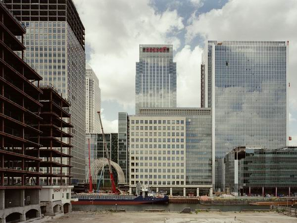 Canary Wharf by Mike Seaborne