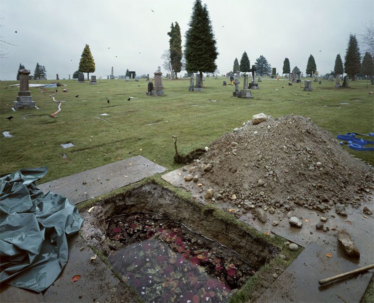 Jeff Wall (1998-2000)  The Flooded Grave