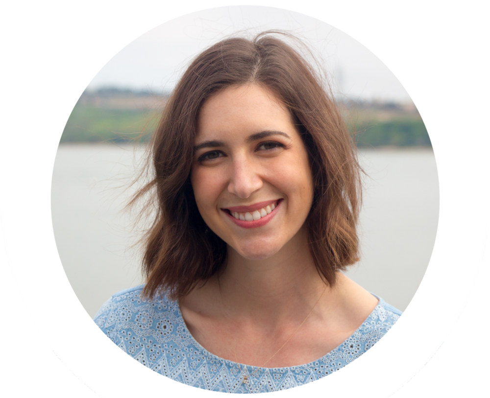 Hi, I'm Emily! As a private practice dietitian in Carlsbad, CA,I'm all about making food and wellness something to celebrate and enjoy. It has to be fun, or it won't get done, right?Here you'll find my best resources,delicious recipes, and honest advice for balancing healthy living with living well.