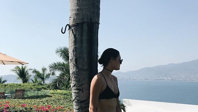 'Went to Acapulco this past weekend with @aaronvashmore (thx bb) & had a beautiful time. Fun fact: it was my first time in Mexico. Also, mucho mahalo to @paweitz for hosting; 'twas great meeting the crewww~ 🖤