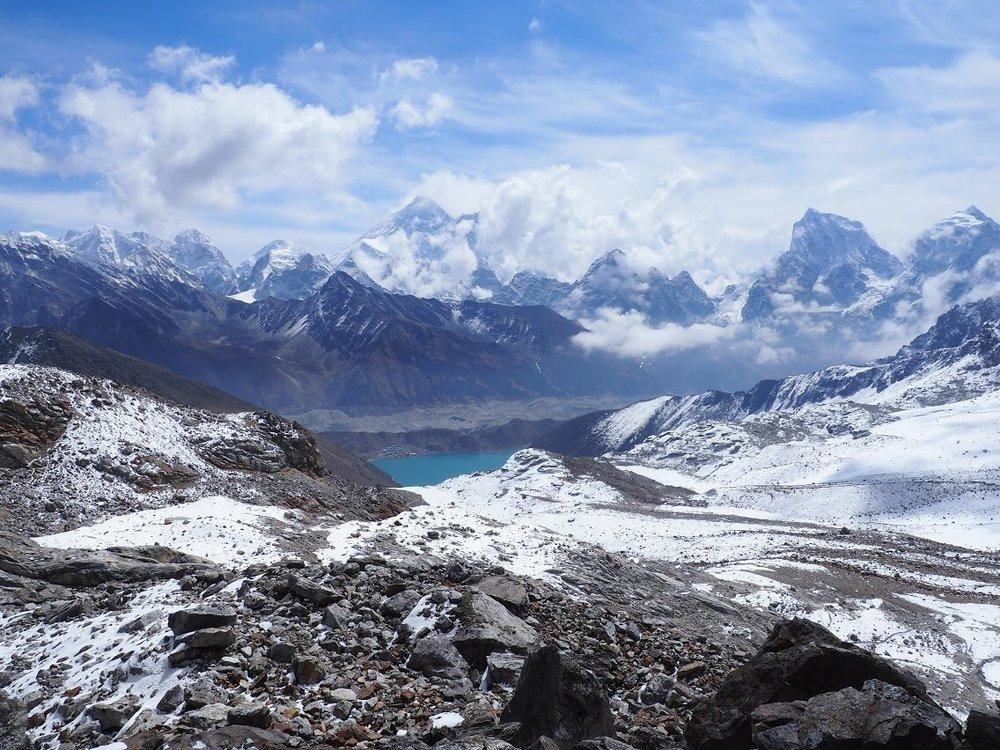 Left to right: Kanchung W., Chumbu, Kanchung E., Pumor Ri, Chanse, Everest, Cho la Pass, Nuptse, Lhotse (obscured), Chomolonzo (obscured), Makalu (obscured), Cholatse, and Taboche