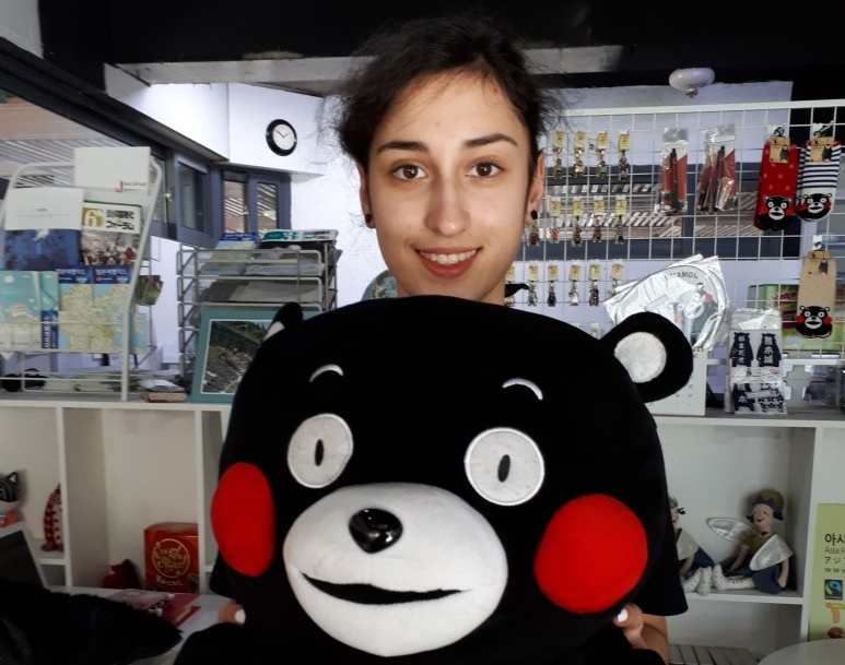 Chiara Marra - Internship period: January 20 to April 16Nationality: GermanUniversity: Original activity: display pictures  and paintings,  decorate the cafe with a small Art Gallery