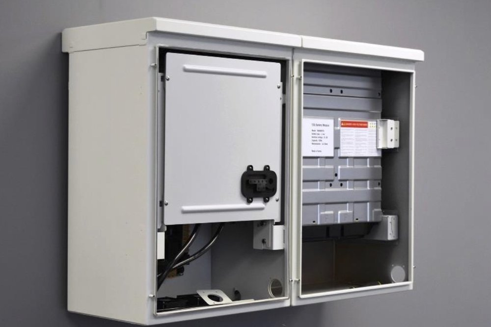 Embedded EMS for battery storage system