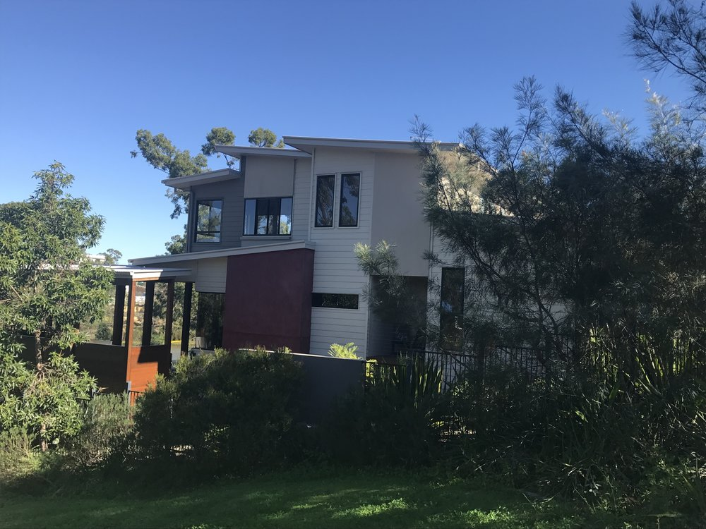 4 Bedroom on steep slope with amazing views and natural ventilation.