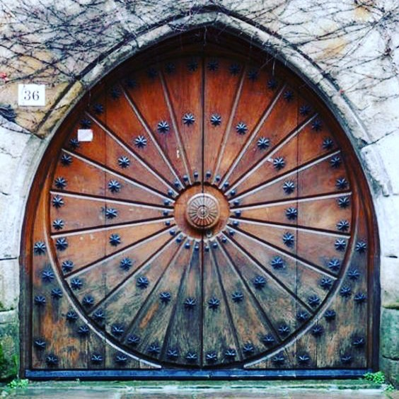 midcenturyfurnitureRidiculous amazing door in Cantabria, Spain #door #wood #art