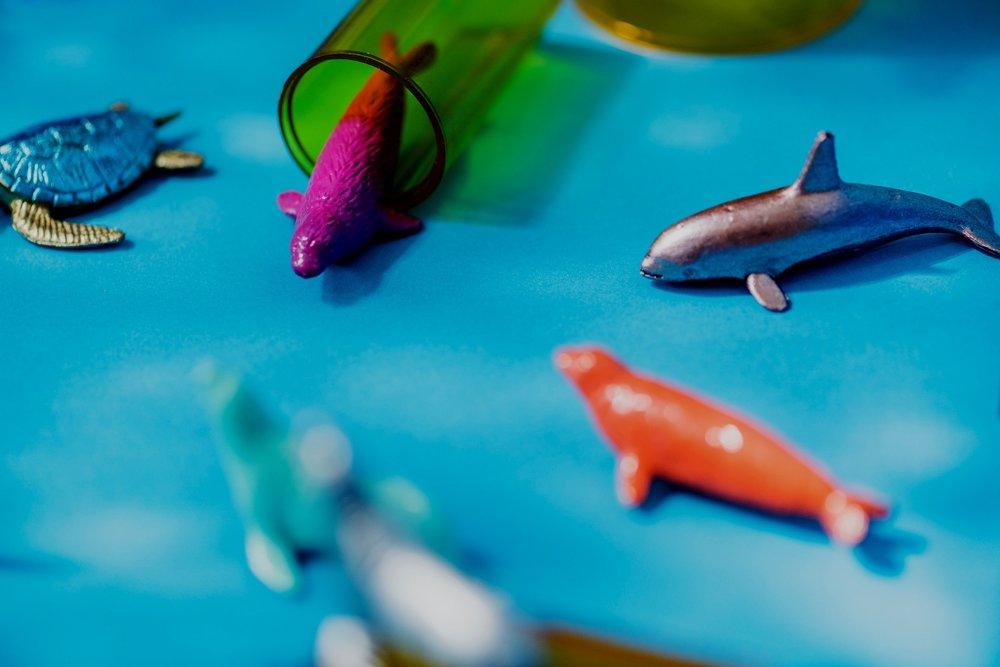 Peruskoulussa - TinkerCad on suhteellisen yksinkertainen ohjelma ja sovellettavissa peruskoulun käsityön opetukseen. Itse näkisin että 3-luokalta ylöspäin lasten taidot riittävät ohjelman käyttämiseen. Ohjelma vaati kuitenkin keskittymiskykyä. Esimerkiksi pelinauppulat tai maskotit voisi olla hauska 3D-tulostus projekti. 3DBear vaikuttaa todella hauskalta sovellukselta. Harmi ettei se vielä oikein toimi kunnolla kaikilla laitteilla. Toivon mukaan sovellusta kehitetään ja siitä saadaaan toimivampi.