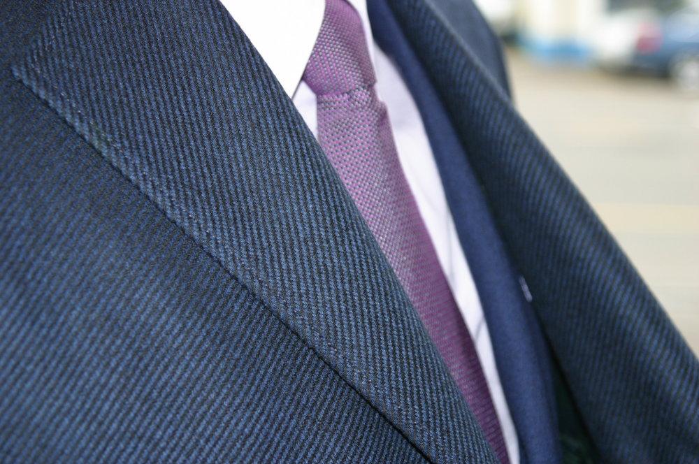 Mantel-nach-Mass-mit-Anzug.JPG