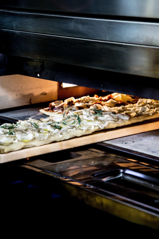 stretchpizza-leila3.JPG