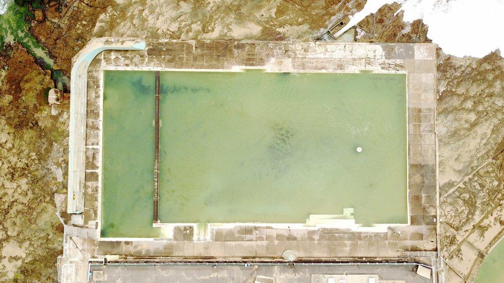 NEWCASTLE - NEWCASTLE ocean baths, nsw