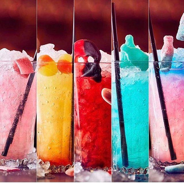Fredag er Pincho Nation dag ❤️🍿 Hvilken farve har din cocktail i aften? 🤩🥰#pinchonationdk #fredagerpinchonationdag #cocktails