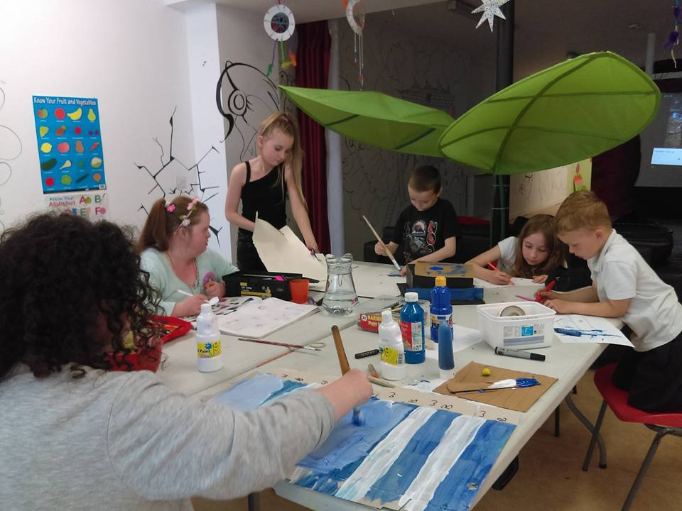 - The afterschool programme facilitates all primary school going children.Offering supported homework, healthy snacks provided, free time play and extra curricular recreational classes as standard each evening, including Art, Drama, Music, Dance and Sport & Coordination.