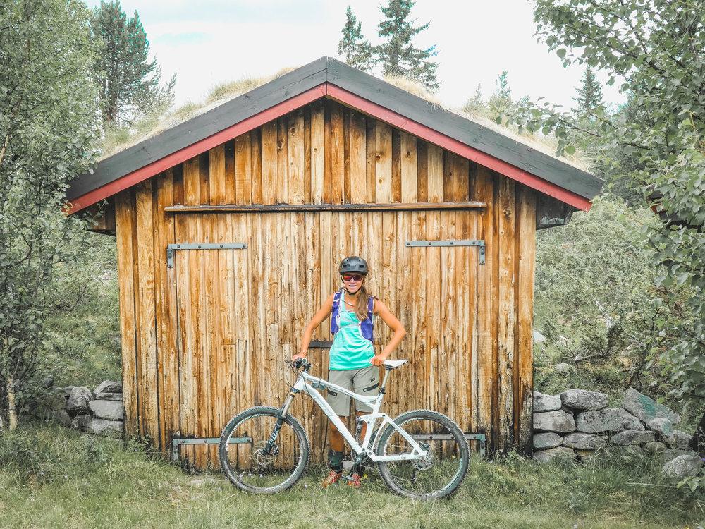 Zuzana er superhappy med sin nye sykkel