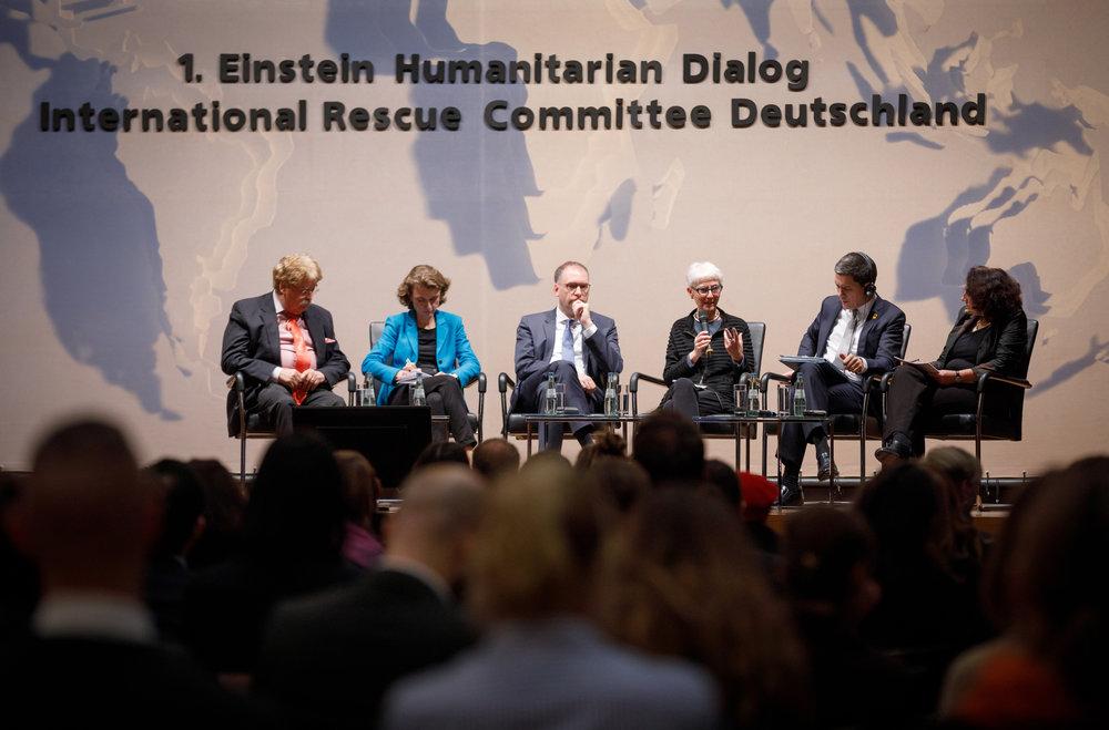 EInstein Humanitarian Dialogue im Auswärtigen Amt.jpg