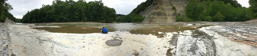 Panorama of the bottom of the trail, the creek, the shale bed, the gorge wall, the puddle.