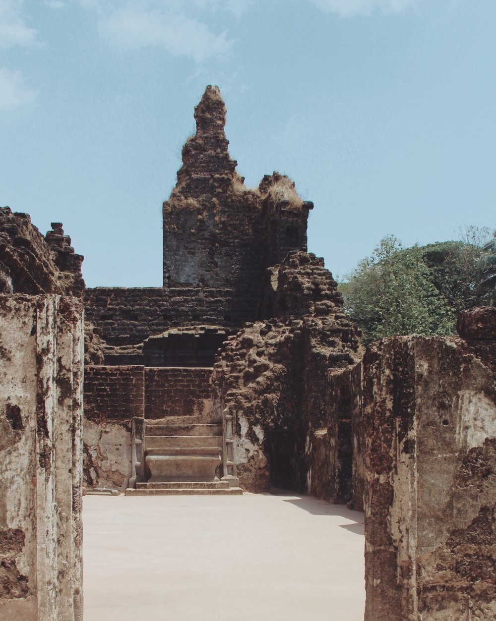 Beautiful ruins in Goa that were made openly accessible to all through the installation of a continuous concrete floor throughout.