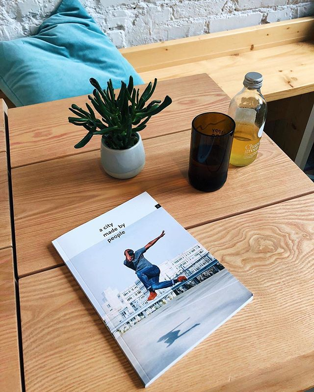 New issue is here, in Bucharest! DM if you want it! 💚 📸 by @alexasferle🎈 . . . . #bucharest_madebypeople #magazine #outnow #printedjournal #printisnotdead #newissue #acitymadebypeople #coffeeshop #alefespressobar #spotted #reading